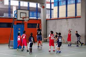 Laboratori di inglese e minibasket alla scuola primaria