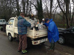 5-6 quintali di RIFIUTI raccolti dai volontari