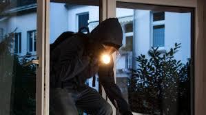 Primo furto dell'anno in Largo Dosso Ducale